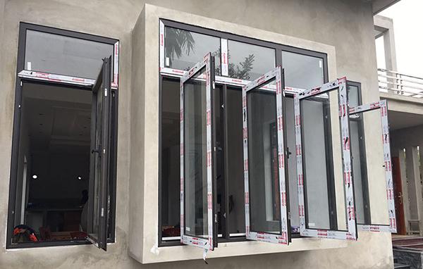 Mẫu cửa sổ mở quay nhôm kính Xingfa